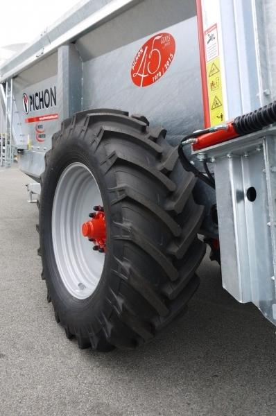 pneumatique-580-70-R-38_imgForFacebox
